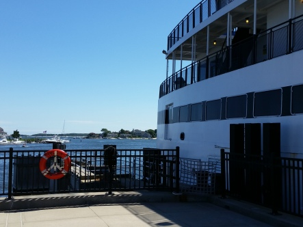 Traditional_Nantucket_Ferry